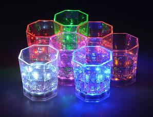 6 bicchieri luminosi a LE