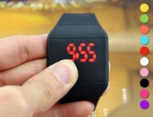 Orologio a LED digitale