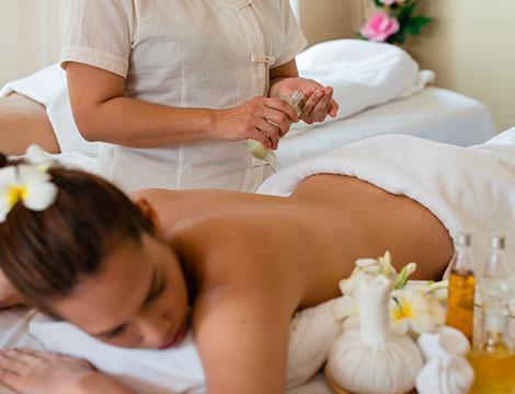 Un massaggio hammami con olio d' argan