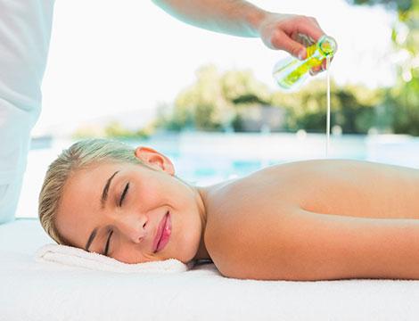 1 massaggio olistico da 50 minuti