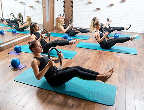 10 o 20 lezioni di yoga-pilates da 90 minuti