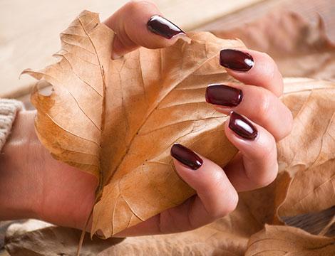 3 manicure con applicazione smalto semipermanente