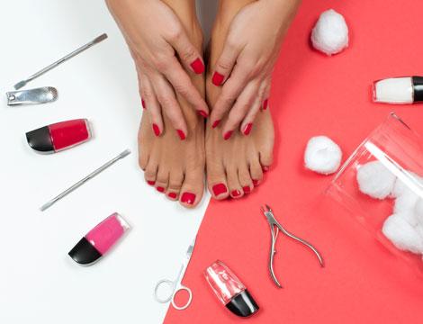 3 manicure e pedicure con smalto zona EUR