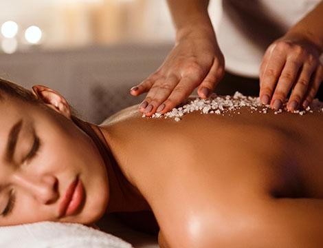3 massaggi a scelta o con scrub levigante