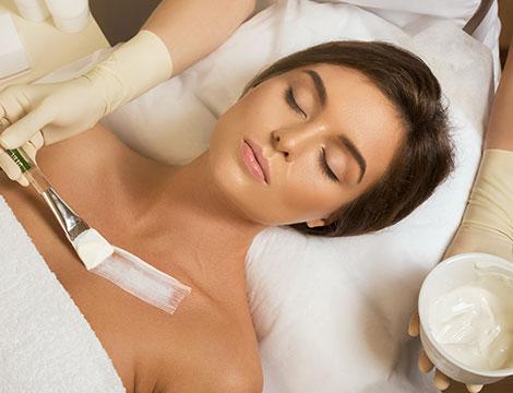 3 o 5 trattamenti di radiofrequenza viso, collo e décollete con detersione e scrub