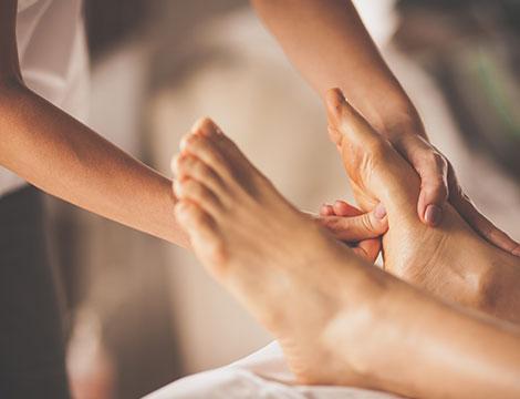 3 trattamenti a scelta tra massaggio o riflessologia plantare