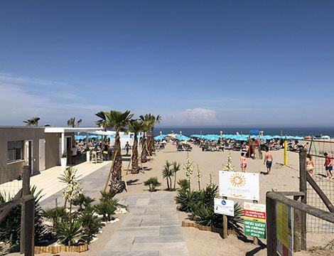 Albachiara Beach 2 lettini ed 1 ombrellone x2
