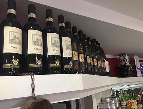 Aperitivo zona Eur Roma selezione di vini