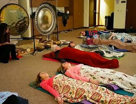 Bagno di gong di gruppo o individuale