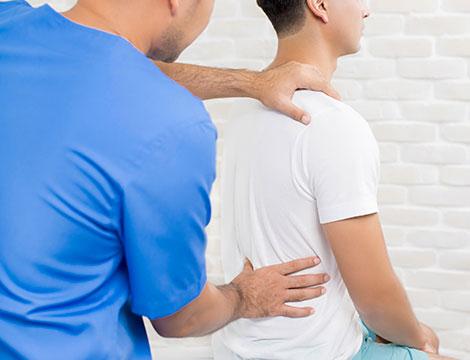 Uno o 3 trattamenti osteopatici e check up colonna vertebrale