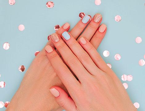 Corsi di ricostruzione unghie in gel o acrilico
