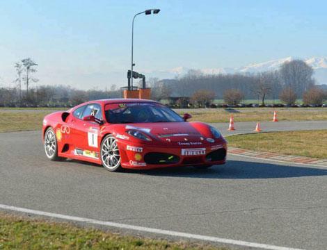 Corso base di guida sicura in Ferrari_N
