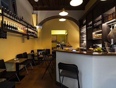 Tagliere e degustazione vino al wine bar Retrogusto Enoteca