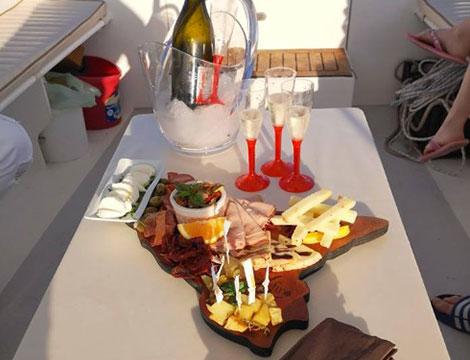 Escursione con aperitivo in barca per 2 persone