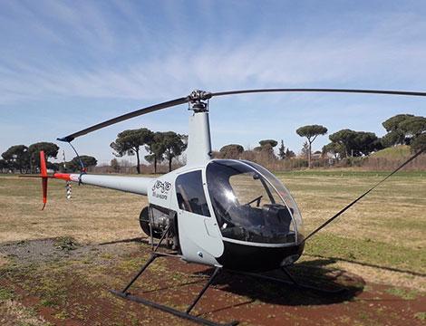 Esperienza in elicottero per un giorno per una persona
