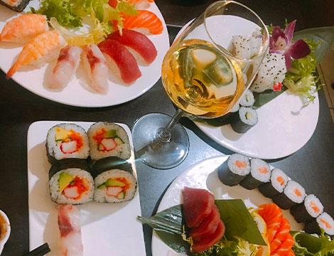 fino a 60 pezzi di sushi e bottiglia di chardonay_N