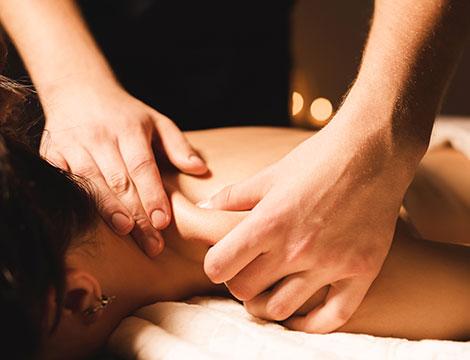 Un massaggio linfodrenante o 3 massaggi schiena-cervicale