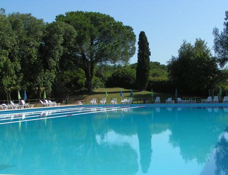 Offerta ingresso piscina x2 con ombrellone e lettino a for Piscina n club