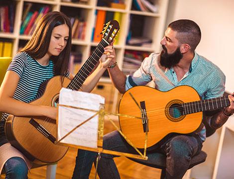 lezioni di canto o strumento musicale