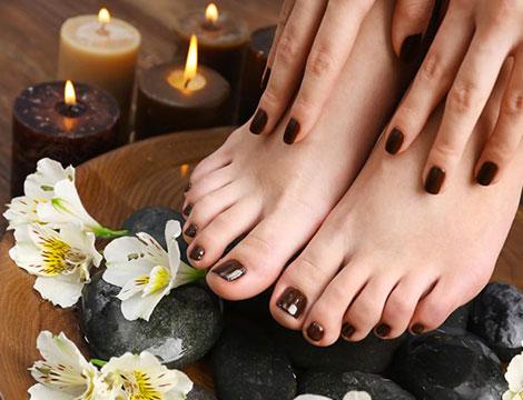 Mani e piedi con semi