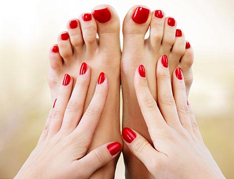 Manicure e pedicure con semipermanente