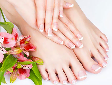 Manicure e pedicure con smalto_N