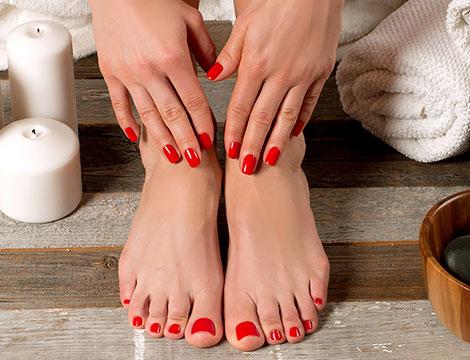 Manicure e pedicure estetico Crocetta