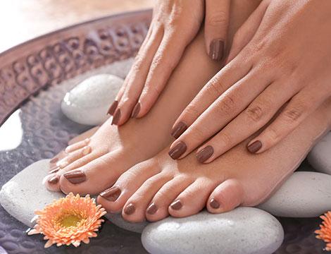 Manicure o pedicure con semipermanente
