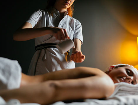Massaggio Chakra Abhyanga