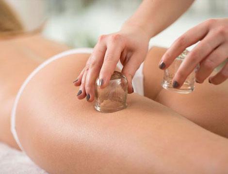 Massaggio anticellulite con coppettazione in offerta a Torino