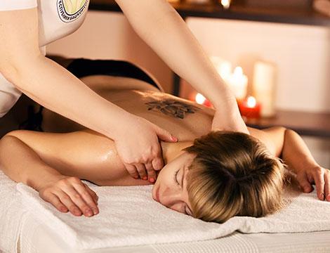 abhyangam massaggio ayurvedico