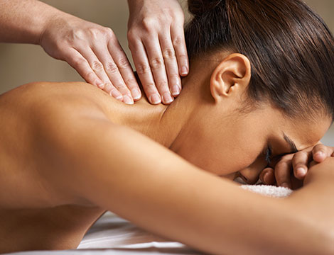 Massaggio decontratturante schiena e cervicale