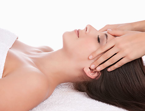 Massaggio viso Muhabhyangam