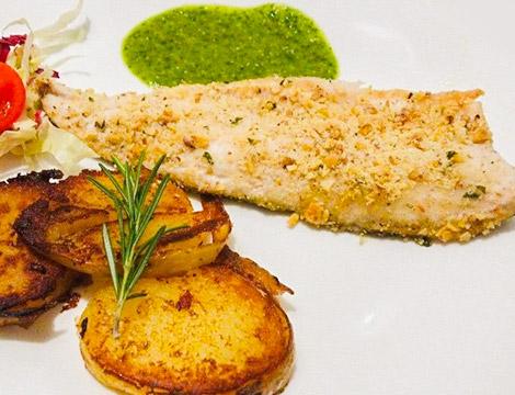 Menu di pesce e calice o bottiglia di vino Lido di Cadenabbia