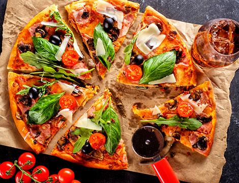 Menu pizza con bibita per 2 o 4 persone