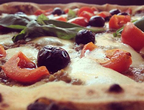 Menu pizza con farina biologica con antipasto o dolce e bibita