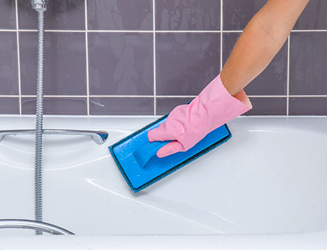 Smaltatura e pulizia vasca