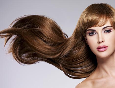 Pacchetto capelli con taglio, maschera, piega, colore o chetatina