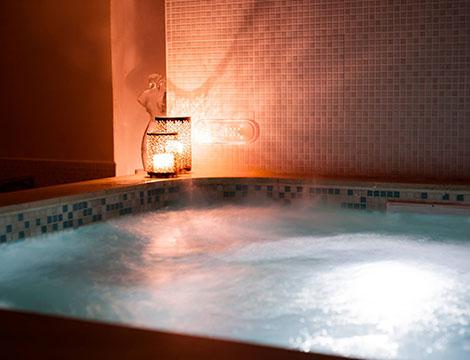 Percorso spa Tea Time e massaggio per 2 persone