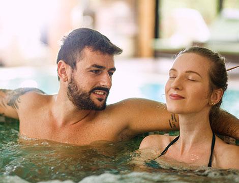 Percorso di coppia con shiatsu, idromassaggio, tisana e massaggio