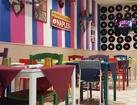 Ristorante Anni Ottanta Napoli pizza il locale