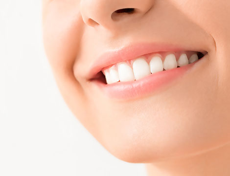 Pulizia denti e smacchiamento LED