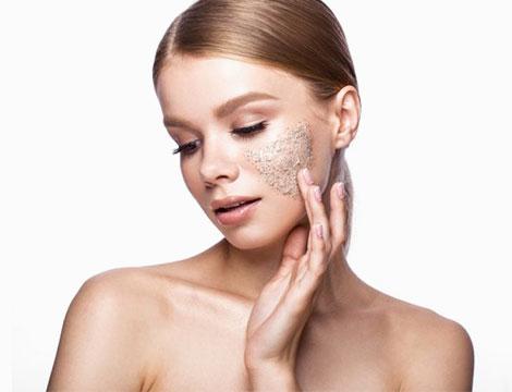 Pulizia scrub e massaggio viso