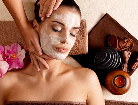 Pulizia viso, massaggio e laser anti age
