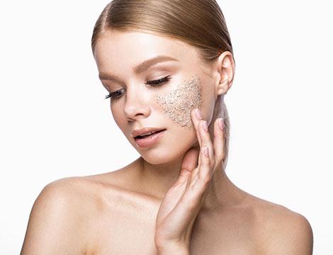 Pulizia viso e massaggio corpo