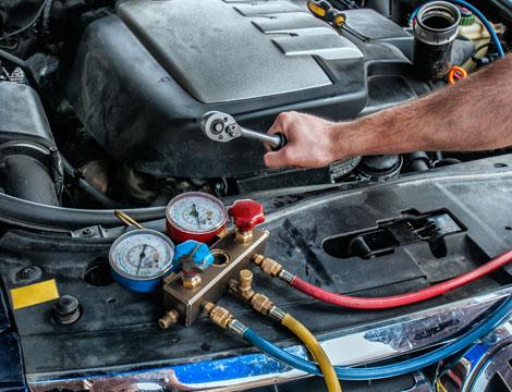Ricarica climatizzatore e check up auto
