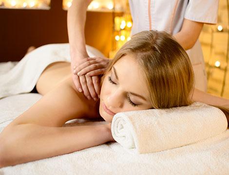Riflessologia plantare o massaggio schiena