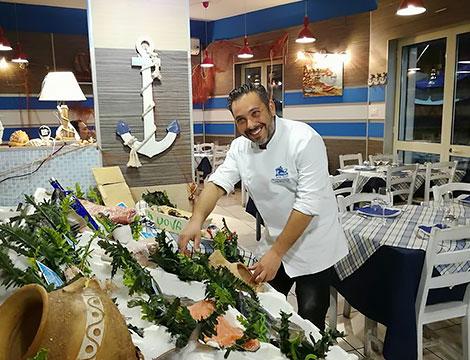Ristorante Fishfood Roma sala interna chef