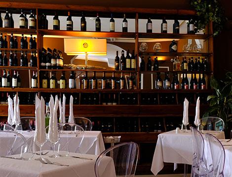 Sant'Eustorgio menu con bottiglia in Colonne