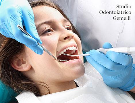 Sigillatura denti definitivi per bambini_N